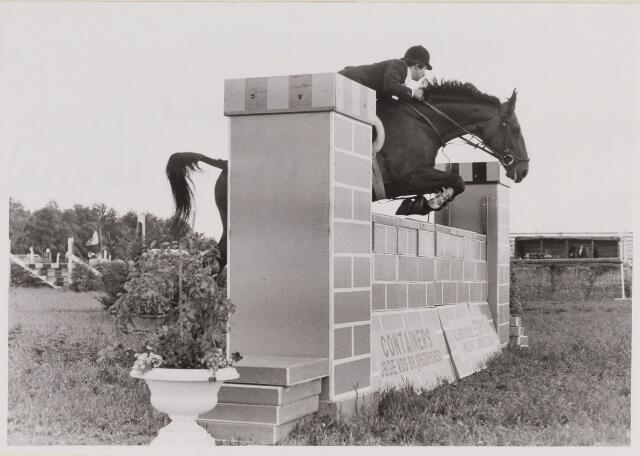 084805 - Paardensport. Concours hippique