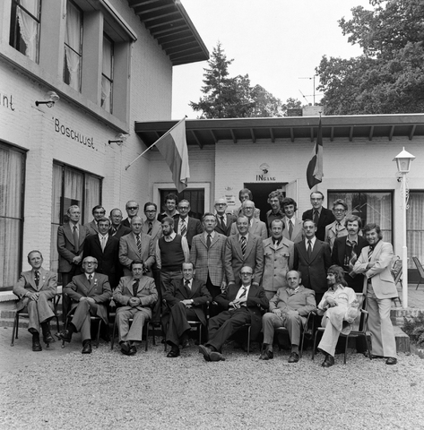 1237_012_987-2_004 - Viering van een jubileum van textiel firma Van Besouw bij restaurant Boschlust in Goirle in mei 1975.