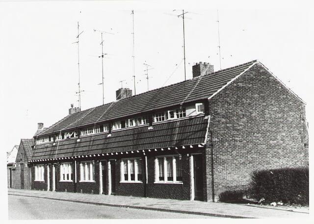 028133 - Woningen aan de Pastoor Smitsstraat 2a tot en met 10