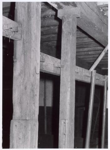 017940 - Detail van het interieur van hofstede De Blaak (koestal)