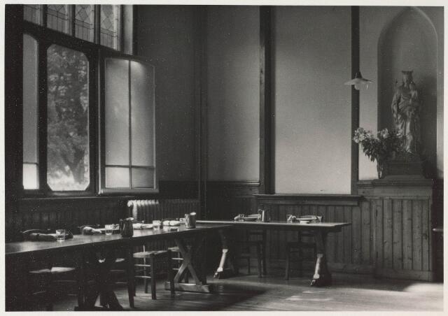 023695 - Refter van het cenakel aan de Koningshoeven in 1953
