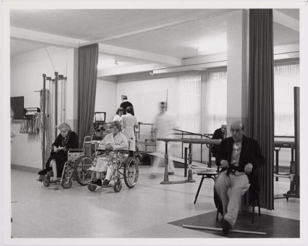 041828 - elisabethziekenhuis. Gezondheidszorg. Ziekenhuizen. Revalidatie in het St. Elisabethziekenhuis.