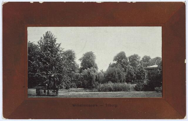 002987 - Wilhelminapark met rechts de muziekkiosk en rechts de Wilhelminaboom.