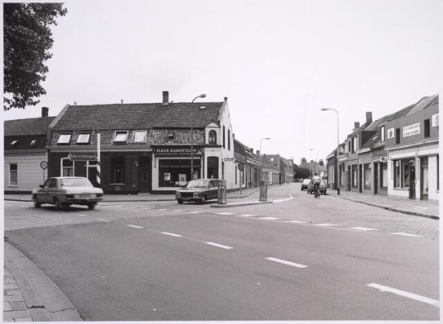 024965 - Splitsing Korvelplein (voorgrond) - Berkdijksestraat (rechts) en Laarstraat (links)