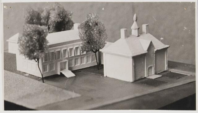 080534 - Maquette van vernieuwd Udenhouts gemeentehuis.