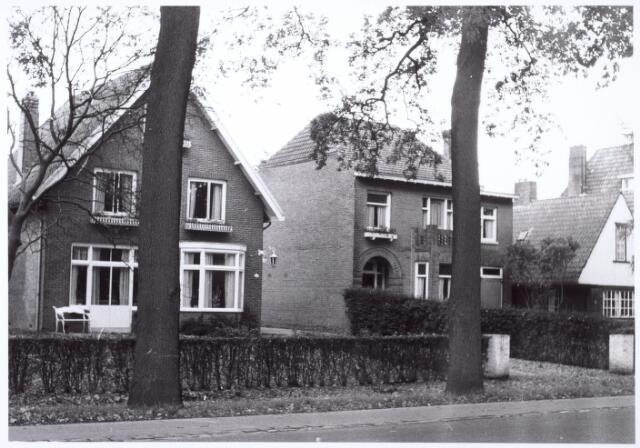 016188 - Pand Bredaseweg 369 (links) eind 1963