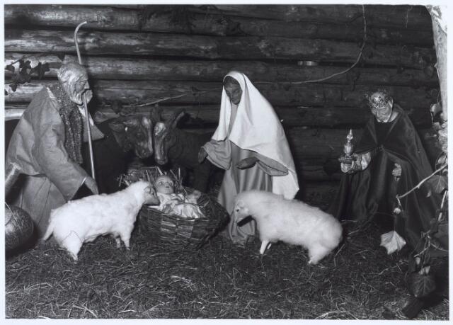 019677 - Beeldengroep van de kerststal in de Goirkese kerk
