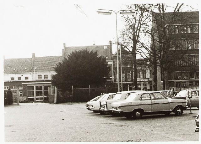 032830 - Achter de N.K. Harmonie aan de Stationsstraat;