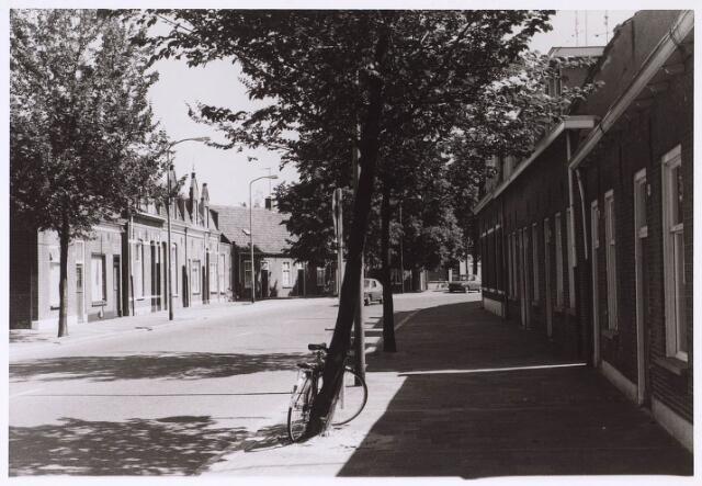 024888 - Kwaadeindstraat in de richting van de Ringbaan-West