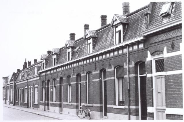015781 - Panden aan de Boomstraat halverwege 1962