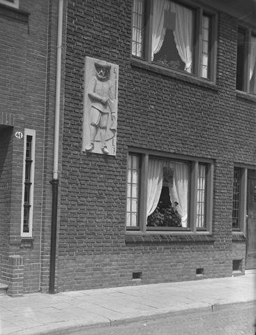 652148-bew - Gevelsteen: reliëf met beeltenis van Jan van Beverwijck