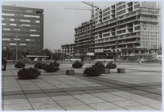 024306 - Bouw van de Kattrerug, gezien vanaf het Koningsplein
