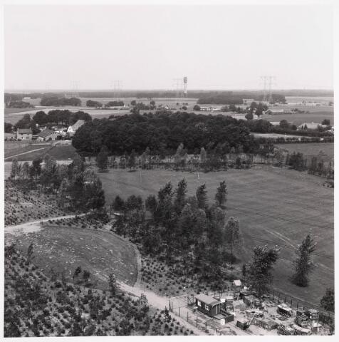 036338 - Panorama van Tilburg vanaf de flat aan de Griegstraat.