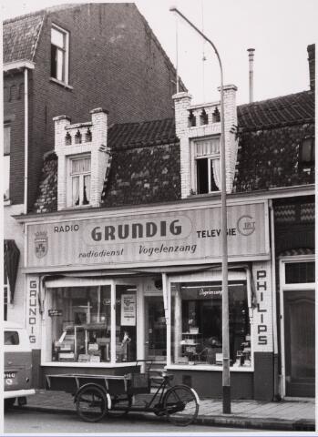 028769 - Piusstraat. Vogelenzang, radio- en televisiezaak