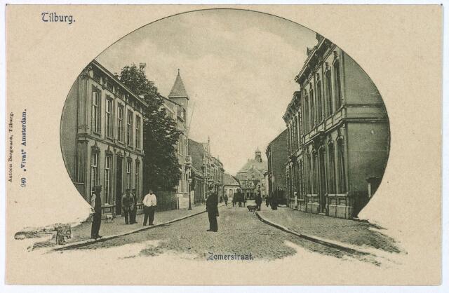 003058 - Zomerstraat tussen het St. Annaplein, later Lieve Vrouweplein, en de kruising met de Bredaseweg. In de verte de Nederlands-Hervormde kerk.