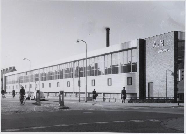 028363 - Textielindustrie. Textielfabriek van A & N Mutsaerts aan de Philips Vingboonsstraat/ hoek Gasthuisstraat