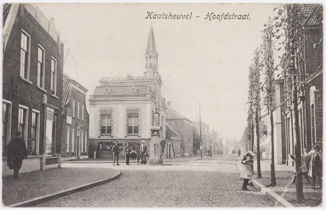 056482 - Hoofdstraat met gemeentehuis, Kaatsheuvel