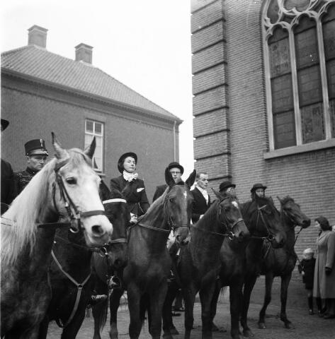 050262 - Hubertus slipjacht. Tilburgse rij en jachtvereniging, Hippos.