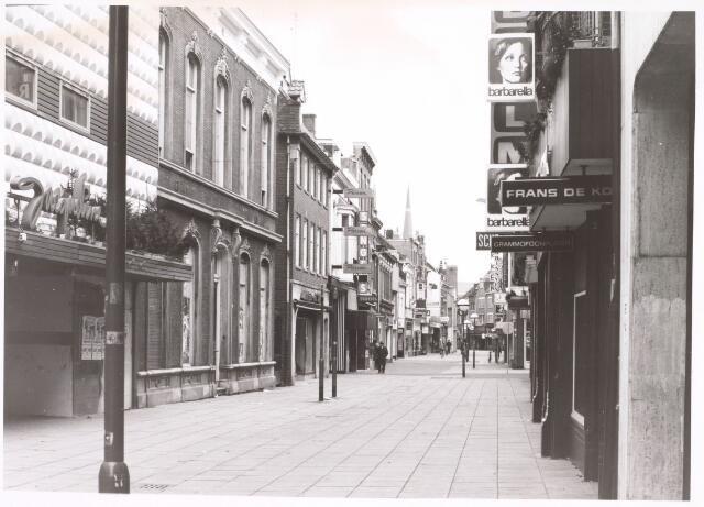 021762 - Heuvelstraat gezien vanaf de Markt