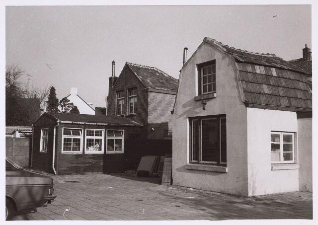 023728 - Gebouwen van Pondres Postreclamediensten aan de Klaverstraat