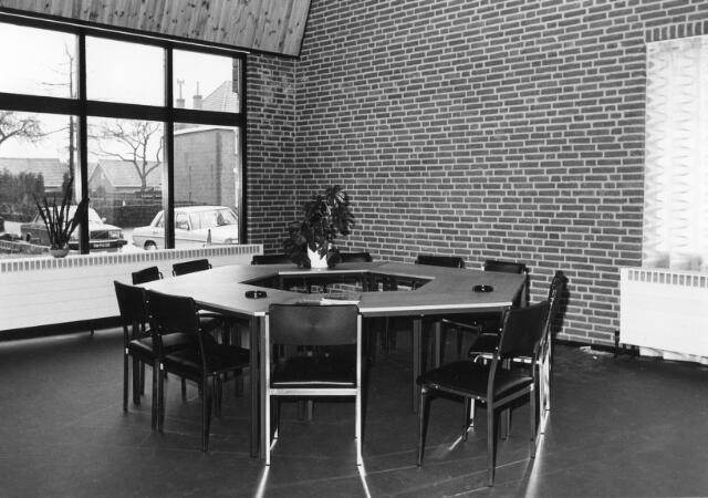 066296 - Interieur Wit Gele Kruisgebouw Chaam.