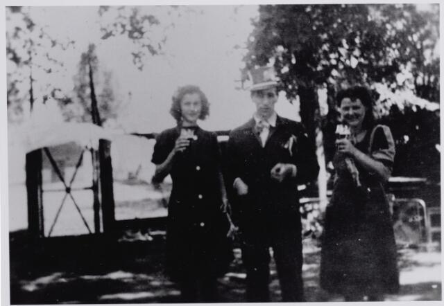 045706 - WOII; WO2; Tweede Wereldoorlog. Bevrijdingsfeest.