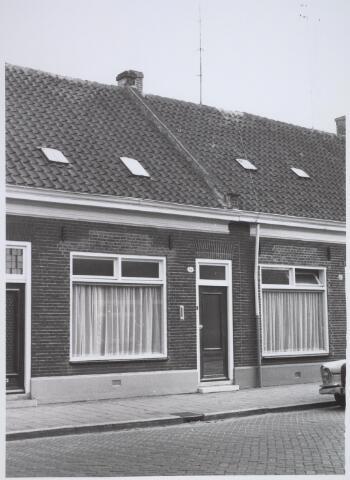 026188 - Pand Lijnsheike 54 halverwege april 1968