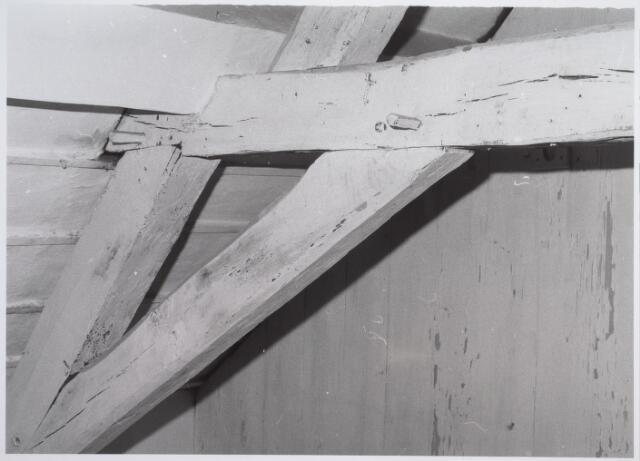026561 - Balkconstructie in het pand Molenstraat 1 - 3