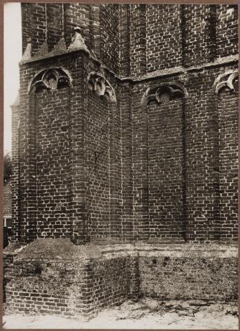 057009 - St. Jansplein. Fragment toren kerk St. Jan Onthoofding.