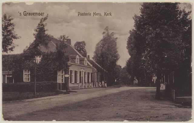 058472 - Pastorie Nederlands Hervormde Kerk. Gebouwd in 1681 en grondig gerestaureerd in 1959 en 1993.