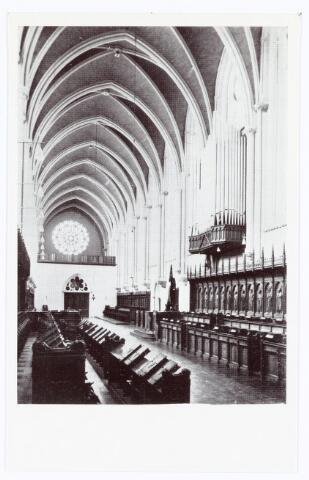 062135 - Kloosters. Interieur van de abdij van Onze Lieve Vrouw van Koningshoeven aan de Eindhovenseweg 3 (koor van paters en broeders)
