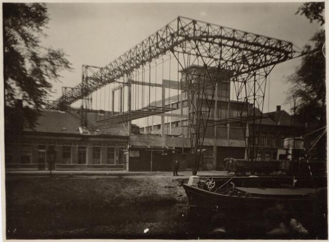 049873 - Staalconstructie bij het bedrijf van de firma Rompa te Breda van de N.V. Tilburgse Constructiewerkplaatsen en Machinefabriek v/h A. Hovers aan de Lovensestraat in Tilburg.
