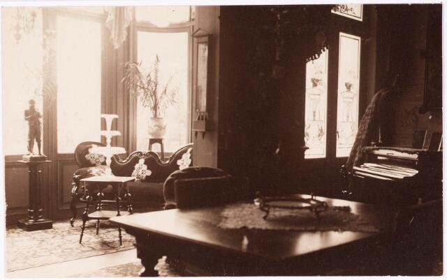 033281 - Detail eetkamer in villa Tivoli.