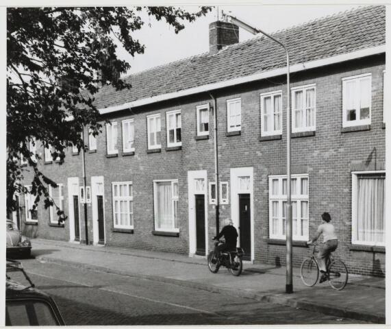 103509 - Duplowoningen aan de ......, welke misschien worden opgesplitst (1976)