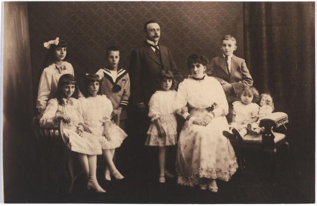 006704 - Familieportret Brouwers-van Waesberghe