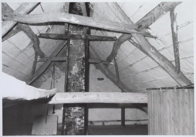 025684 - Zolder van het pand Leharstraat 109 medio 1982