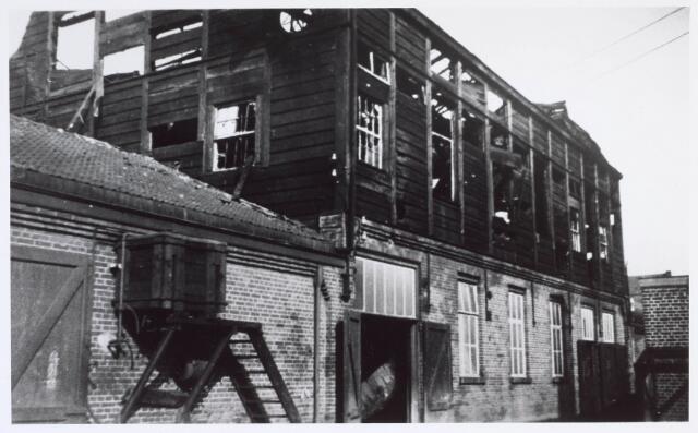 019501 - Brand in een gebouw van lederfabriek Willem Vos aan de Goirkestraat halverwege augustus 1934