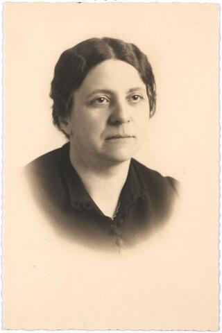 005666 - Miet Schijns (1896-1984), volledige doopnamen Marie Françoise Louise Joseph
