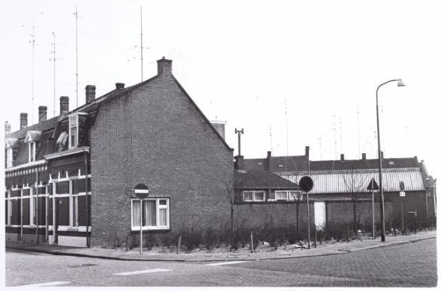 015790 - Pand op de hoek van de Boomstraat en Wilgenstraat (rechts)