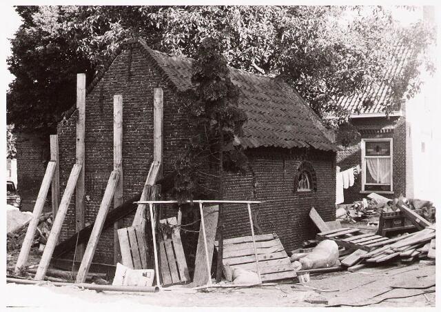 033082 - In verband met nieuwbouw moet het oude wijken zo ook het schop behorende bij de boerderij Tauernpad 2.