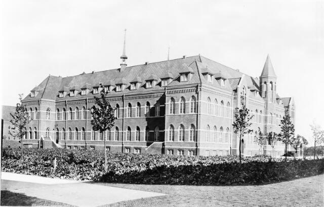 604550 - Trappistinnenabdij O.L.V. van Koningsoord te Berkel-Enschot.