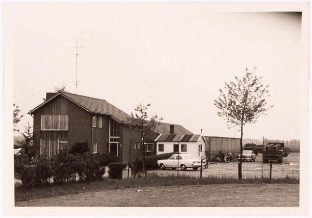 033069 - Achter- en zijgevel van het pand aan de Tatraweg 81