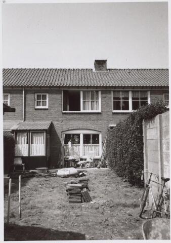 026310 - Achterzijde van het pand Margriethof 13 in mei 1978