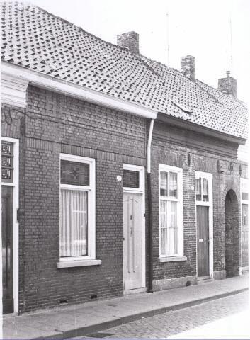 017654 - Pand Van Doorenstraat 12 halverwege 1970