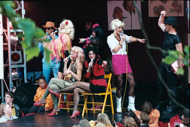 1237_010_768_018 - Festival levenslied 1998 Muziek. Dames groep