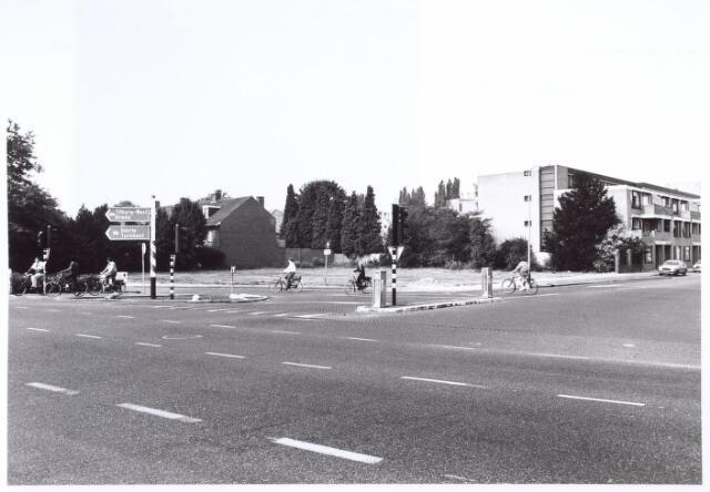 016667 - Terrein van de firma Schraven - Eijsbouts na de sloop van het complex halverwege 1985