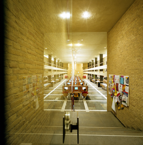 """D-00721 - Universiteit van Tilburg (voor het boek """"Beeld van een universiteit"""")"""