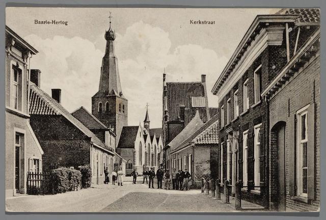 065521 - Inkijk in de kerkstraat in Baarle-Hertog