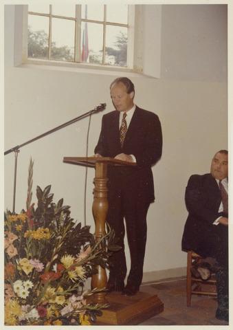 89078 - Toespraak bij de installatie van de nieuwe burgemeester van Terheijden: dhr. J. van Maasakkers