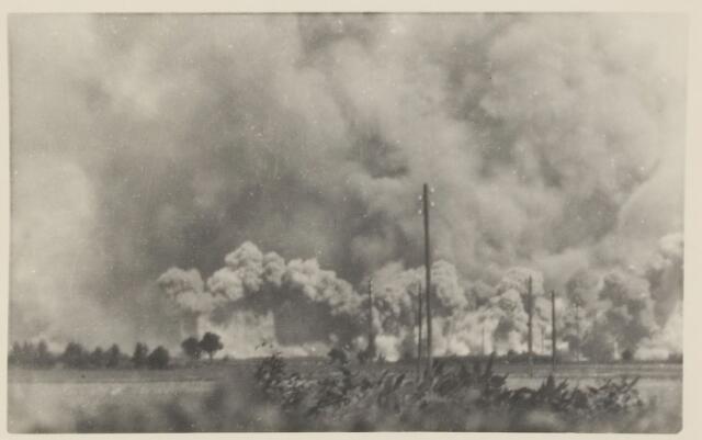 082219 - Door dit bombardement werd de vliegbasis bijna geheel vernietigd. Ook in Hulten vielen bommen.